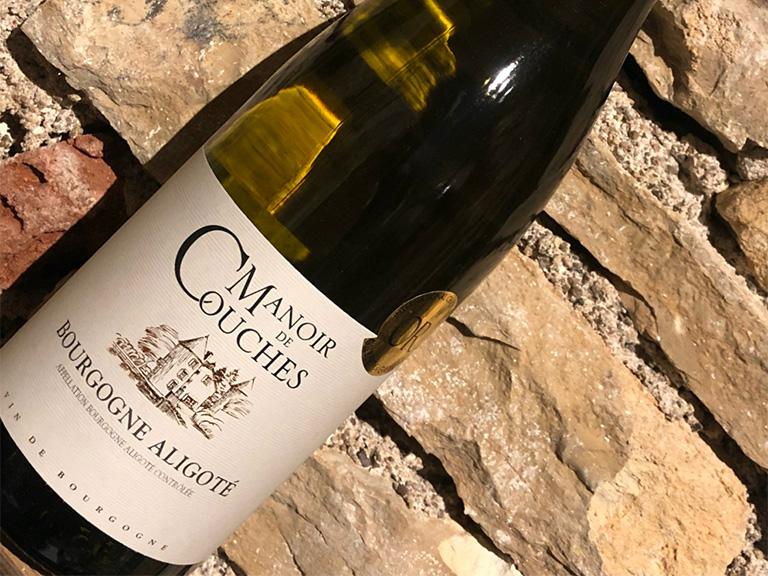 vin du couchois, manoir de couches, bourgogne aligoté, vin blanc, côtes du couchois, Benoit Charbonnaud, Rully